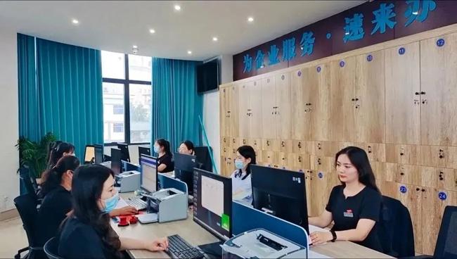 睢宁县人社局为898家企业发放稳岗补贴363余万元